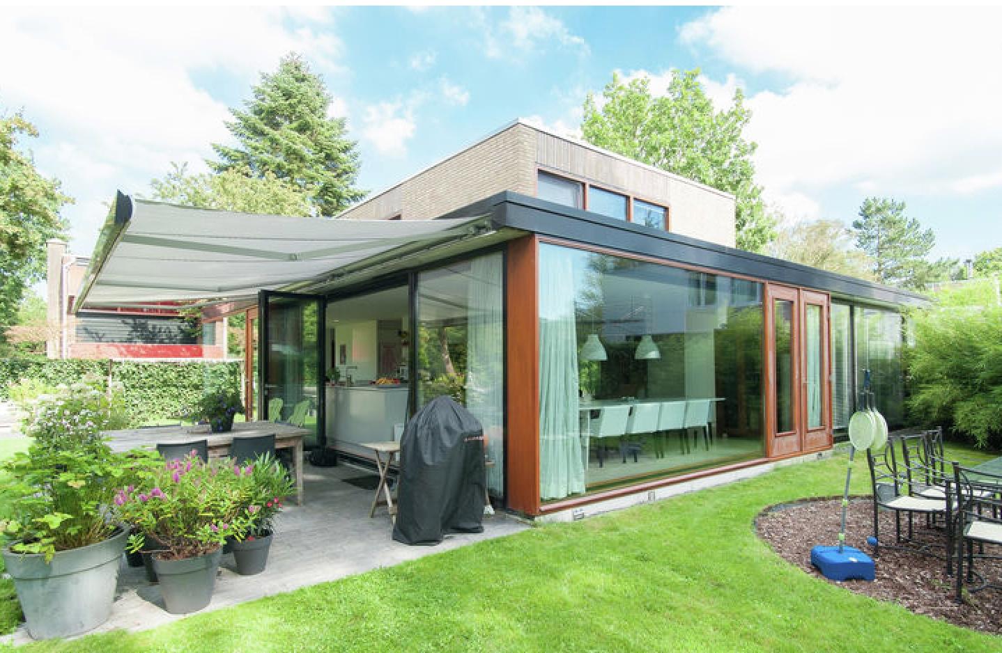 Villa Joseph Bech, een luxe villa voor 7 tot 9 personen in Bergen, ideaal voor een groot gezin.