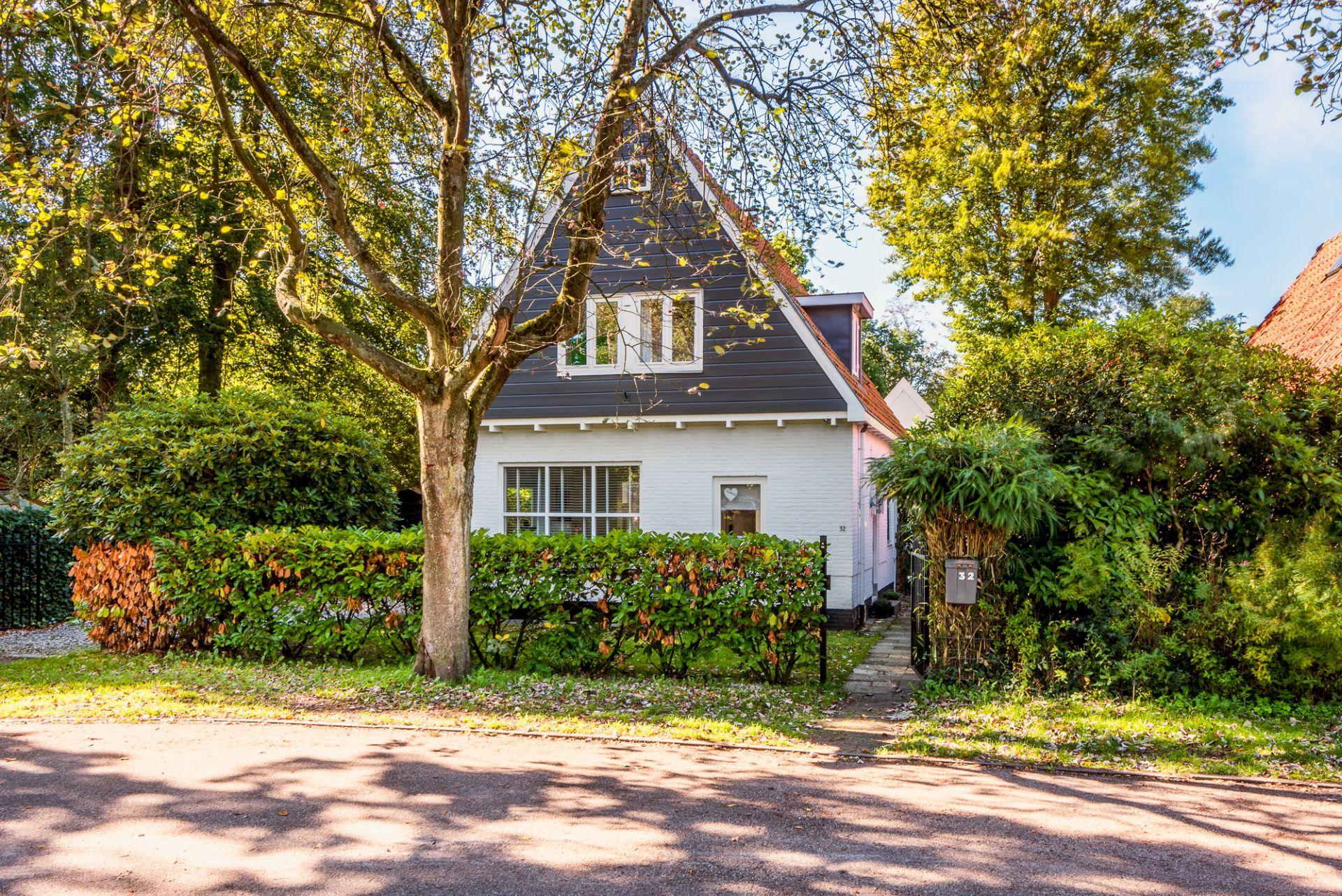 Villa Bo ligt in Bergen en het vakantiehuis biedt uitzicht op de tuin en ligt op 6 km van Alkmaar.