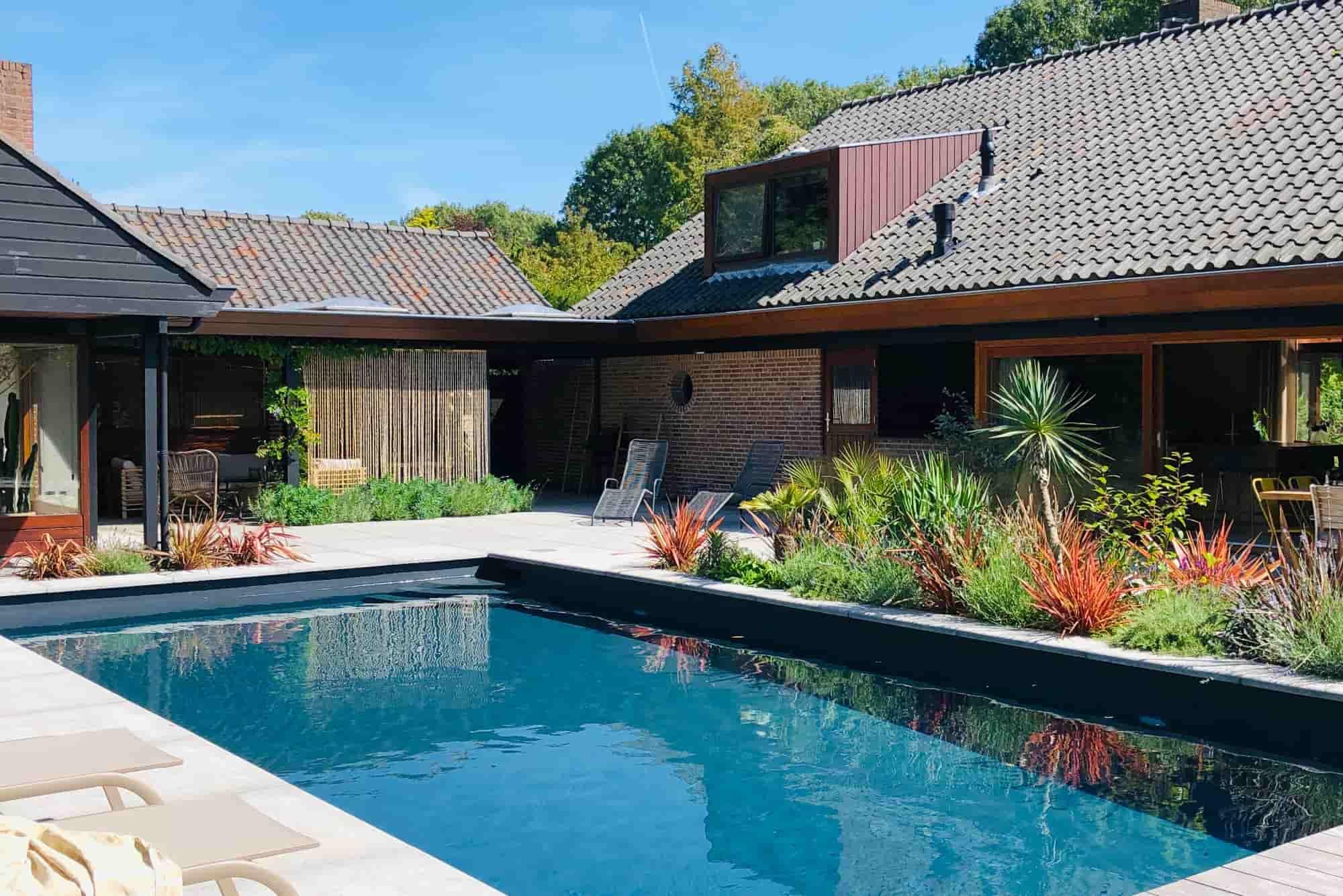 Luxe villa voor 8 personen in Bergen met sauna en privé zwembad.