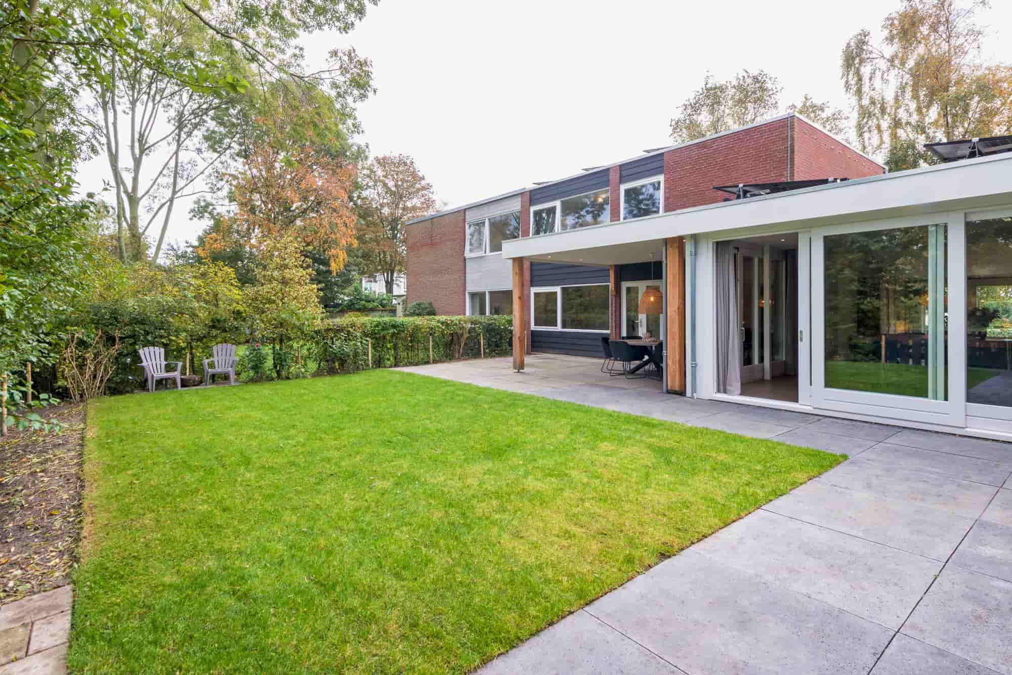 Smaakvol ingericht vakantiehuis voor 4 personen in mooie woonwijk van Bergen.