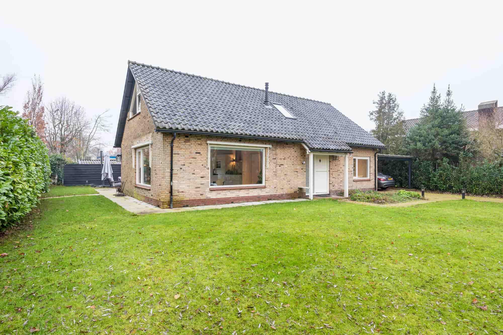 Mooie en recent gerenoveerde villa voor 6 personen in Bergen. Met jacuzzi.